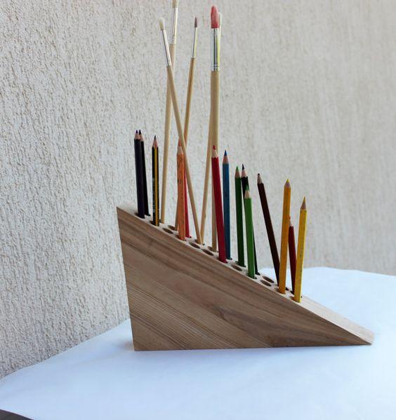 Подставка для карандашей своими руками из куска дерева