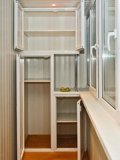 Модульный шкаф на балконе