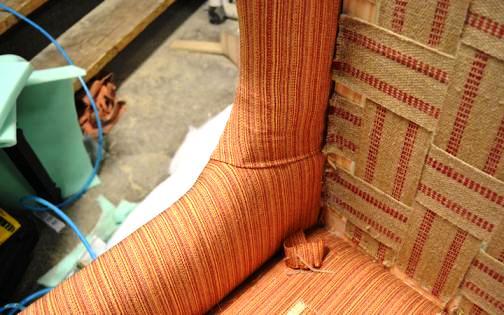 Обшивка тканью боков кресла