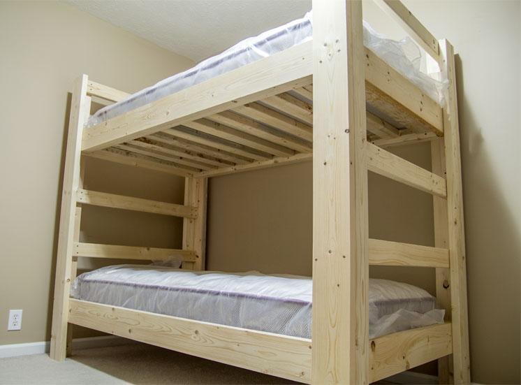 двухъярусная кровать в сборе