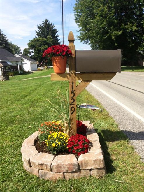 цветы на почтовом ящике